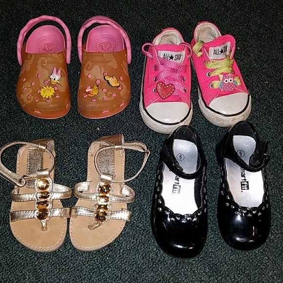 197e40f0247a Converse Other - Toddlers girls shoe lot size 6